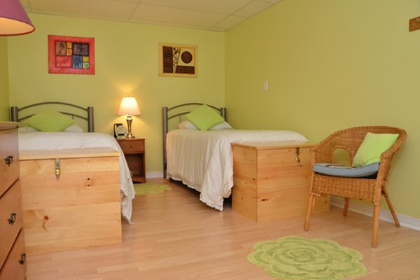 4.Paths-Green-Bedroom-816a124128