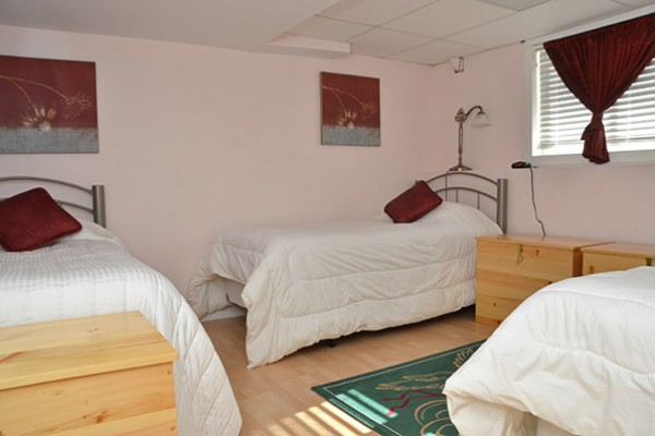 5.Paths-3-Person-Bedroom-bad7dd53d6 (1)